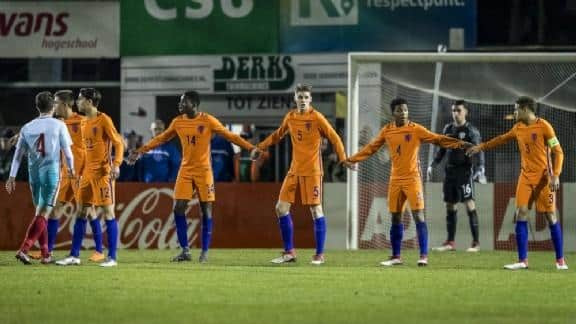 Oranje Onder-17 Bottom Orange defeats Turks and places itself in front of the final round.