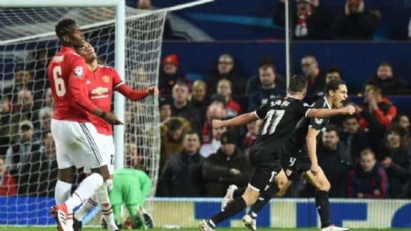 Cloth falls for Manchester United in Champions League after gold exchange
