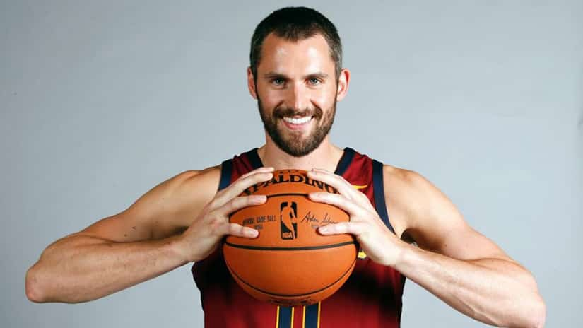 Kevin Love signs four-year contract extension with Cleveland